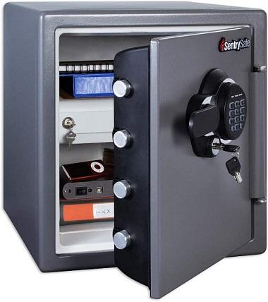Fireproof SafeSentrySafe SFW123GDC